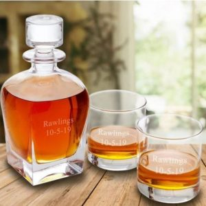 Image of memorial decanter and glasses.