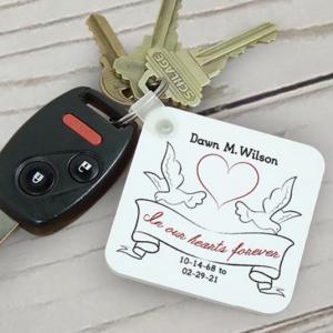 Image of memorial keychain.